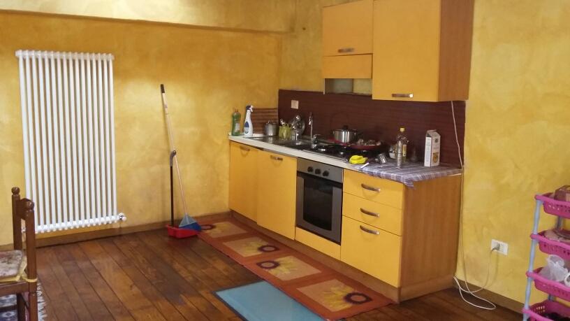 Appartamento in affitto a Fabriano, 4 locali, zona Località: CENTROSTORICO, prezzo € 450 | Cambio Casa.it
