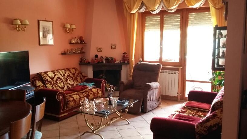 Appartamento in vendita a Fabriano, 4 locali, zona Località: STAZIONE, prezzo € 150.000 | CambioCasa.it