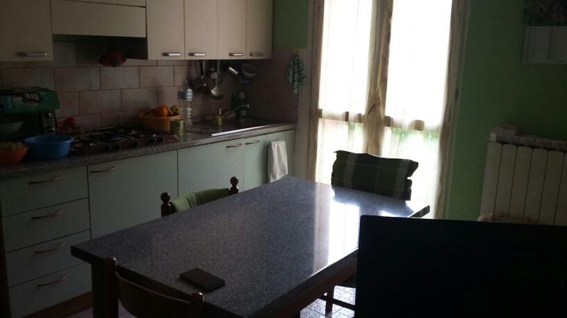 Appartamento in affitto a Fabriano, 2 locali, zona Località: PIANO, prezzo € 260 | Cambio Casa.it