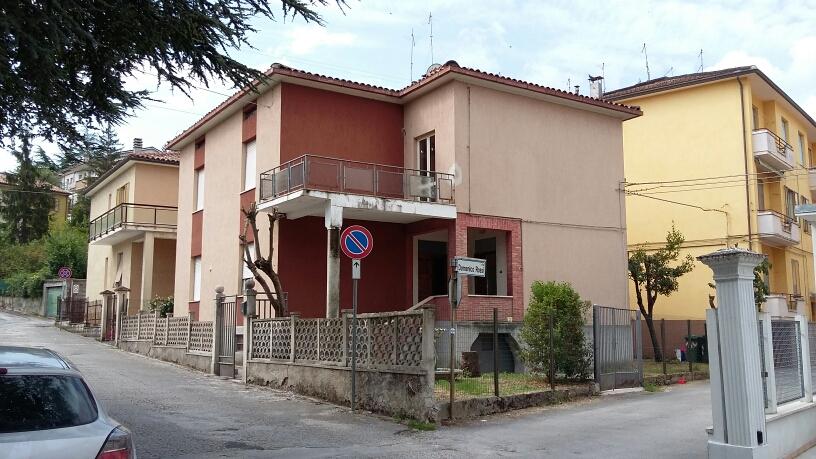 Agriturismo in vendita a Fabriano, 4 locali, zona Località: PIANO, prezzo € 115.000 | CambioCasa.it