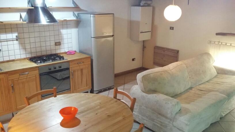 Appartamento in affitto a Fabriano, 2 locali, zona Località: CENTROSTORICO, prezzo € 300 | CambioCasa.it