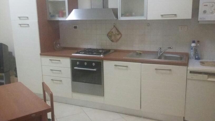 Appartamento in affitto a Fabriano, 2 locali, zona Località: CENTROSTORICO, prezzo € 400 | CambioCasa.it
