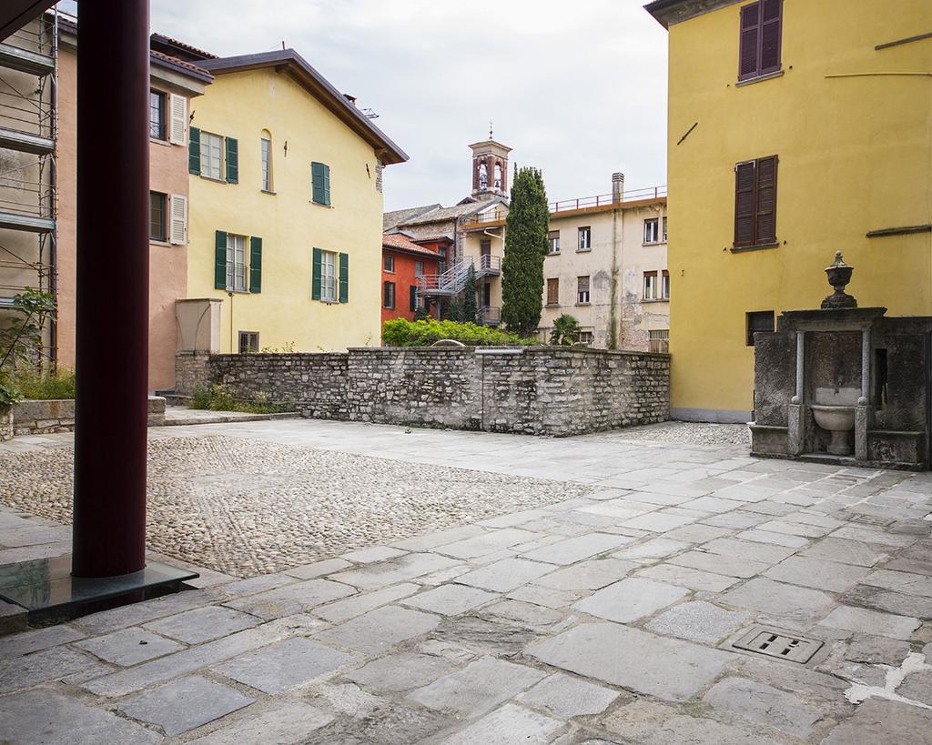 Ufficio-studio in Vendita a Como: 1 locali, 94 mq