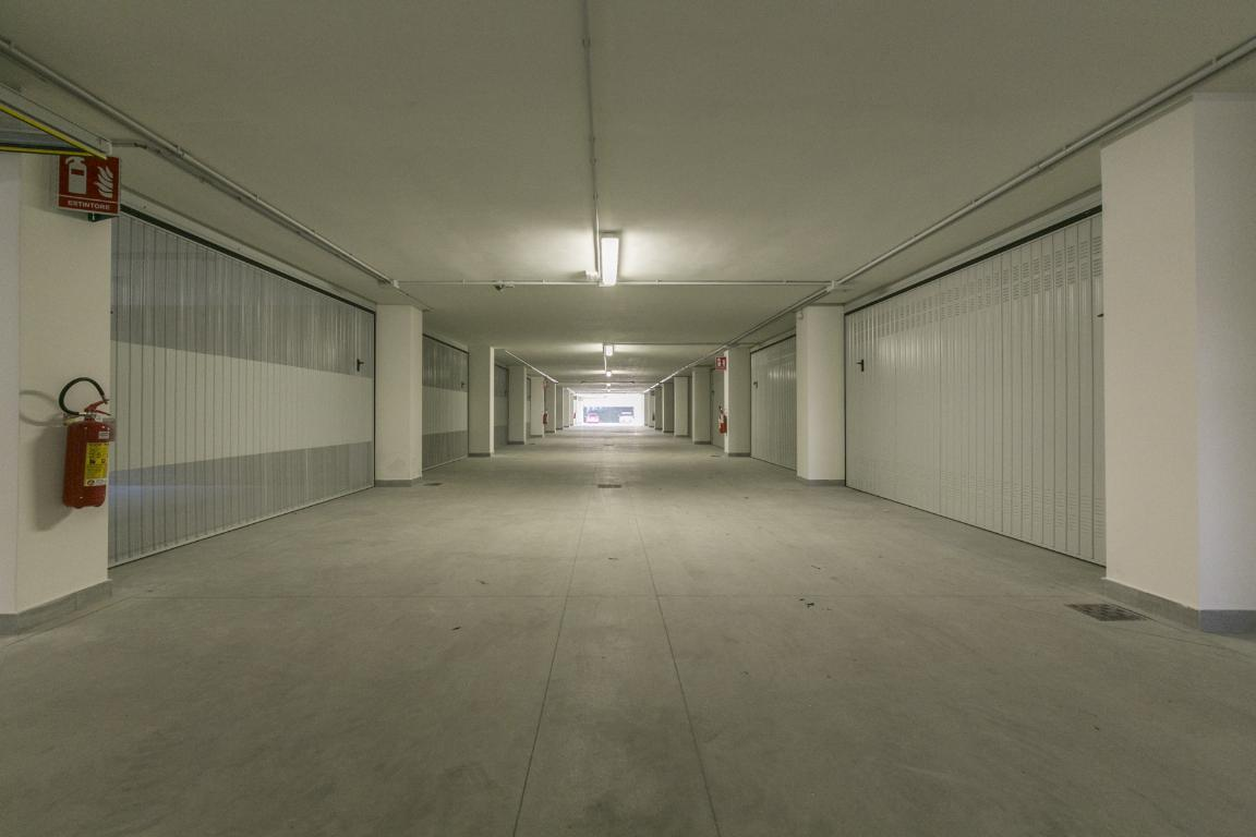 Loft open space di lusso in affitto a milano via giacomo for Loft a milano in affitto
