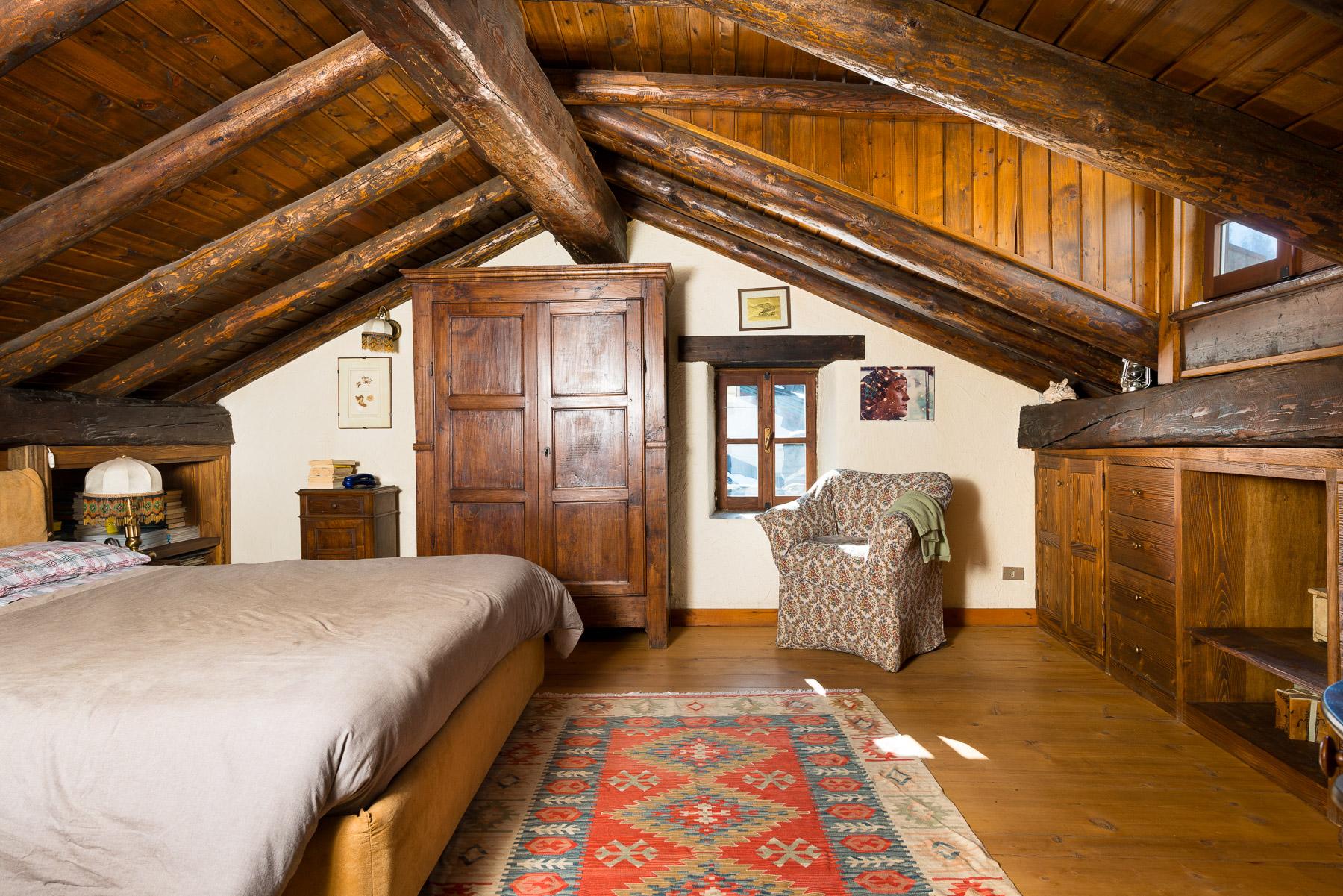 Casa indipendente di lusso in vendita a courmayeur via for Vendita case lusso