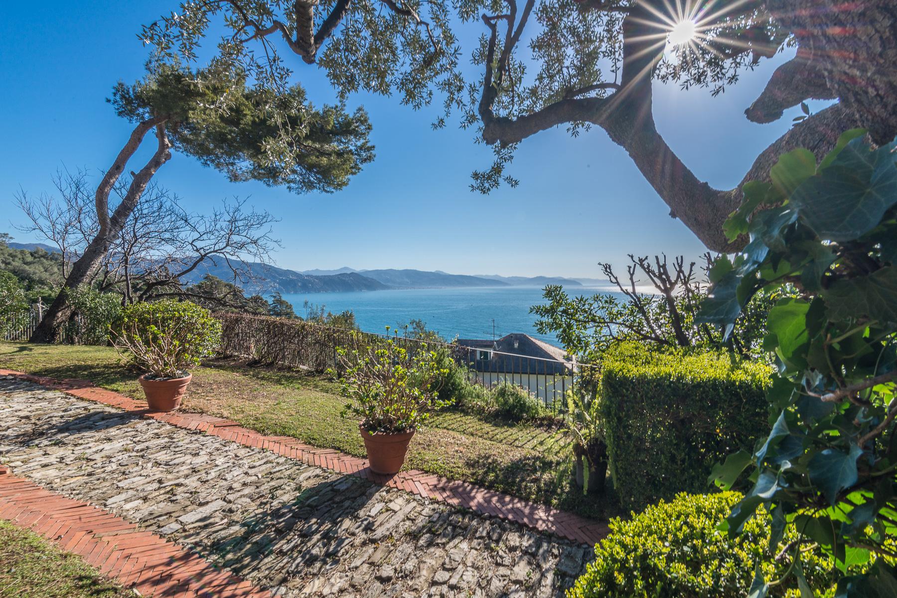 Villa in Vendita a Santa Margherita Ligure: 5 locali, 440 mq