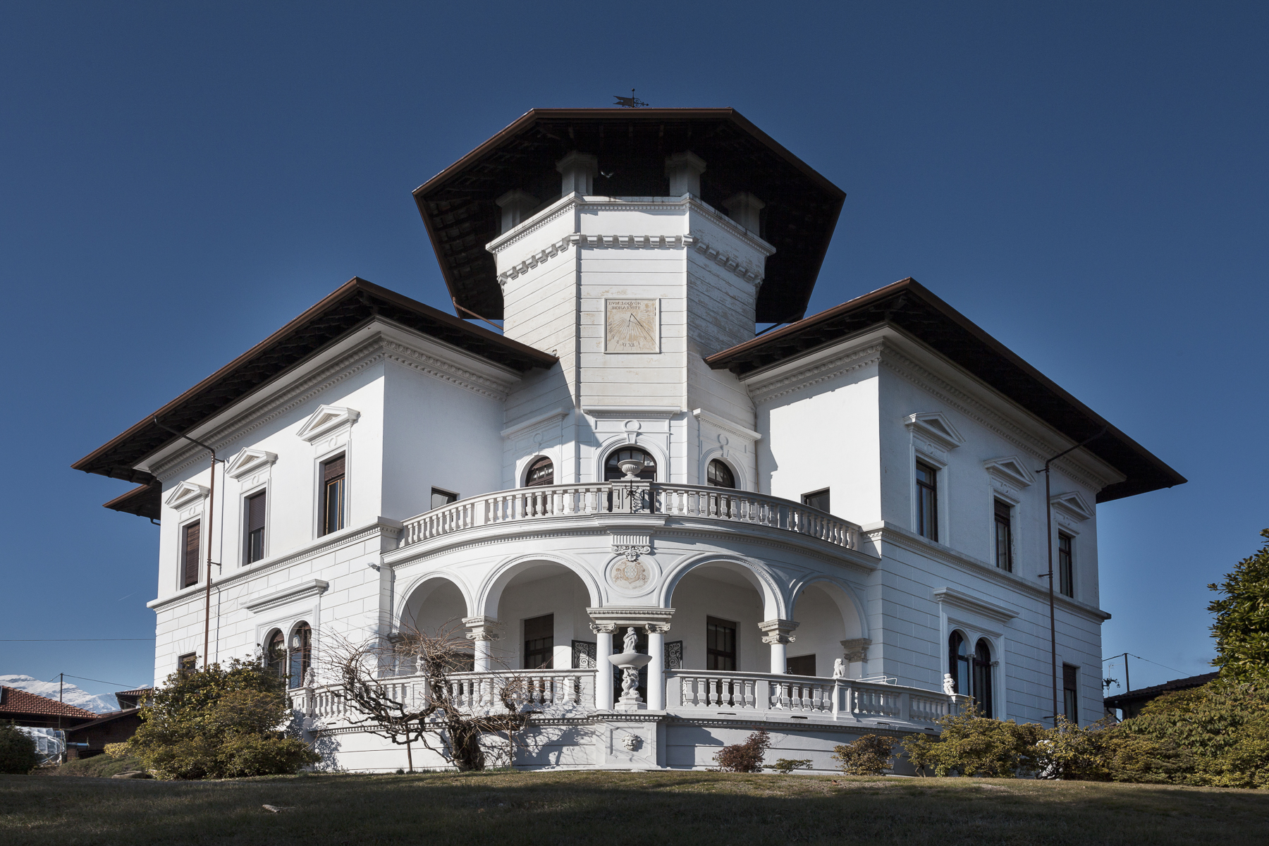 Villa in Vendita a Biella: 5 locali, 1000 mq