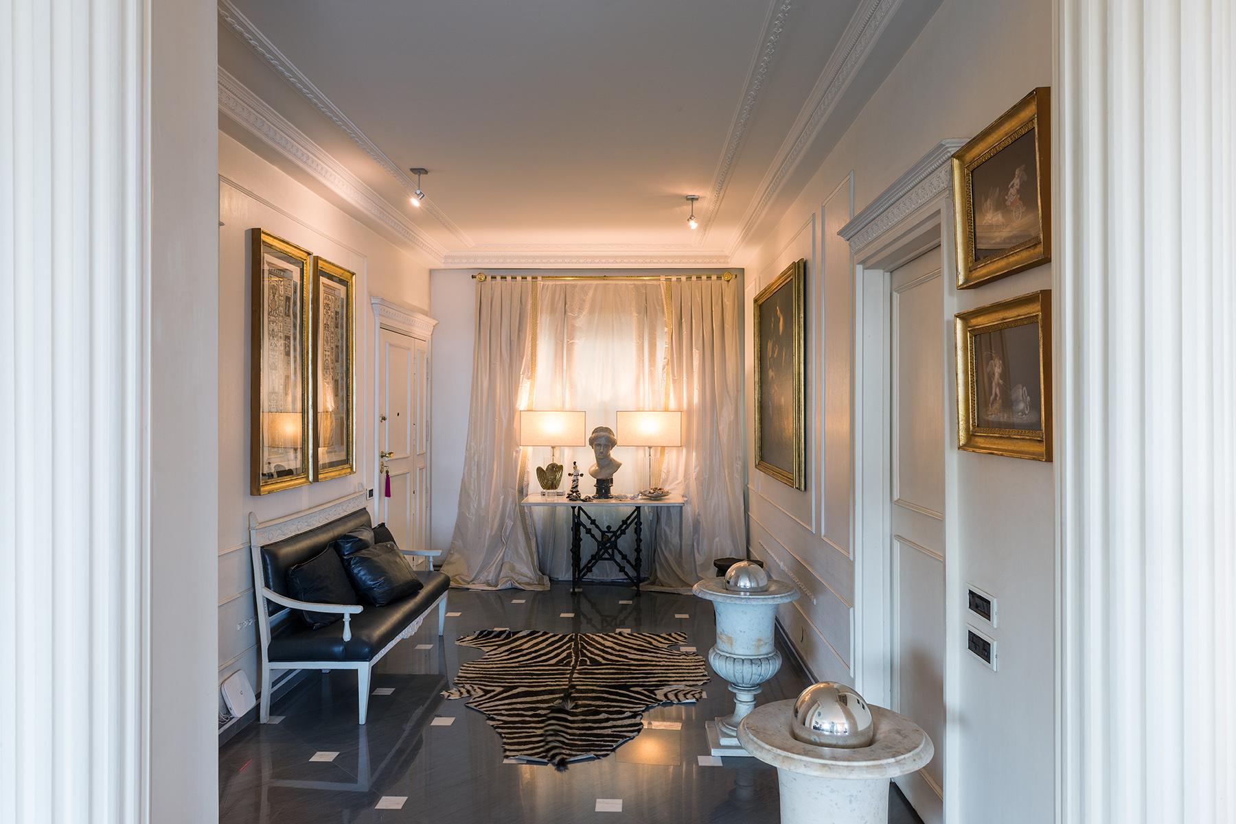 Appartamento in Vendita a Napoli: 5 locali, 250 mq - Foto 3