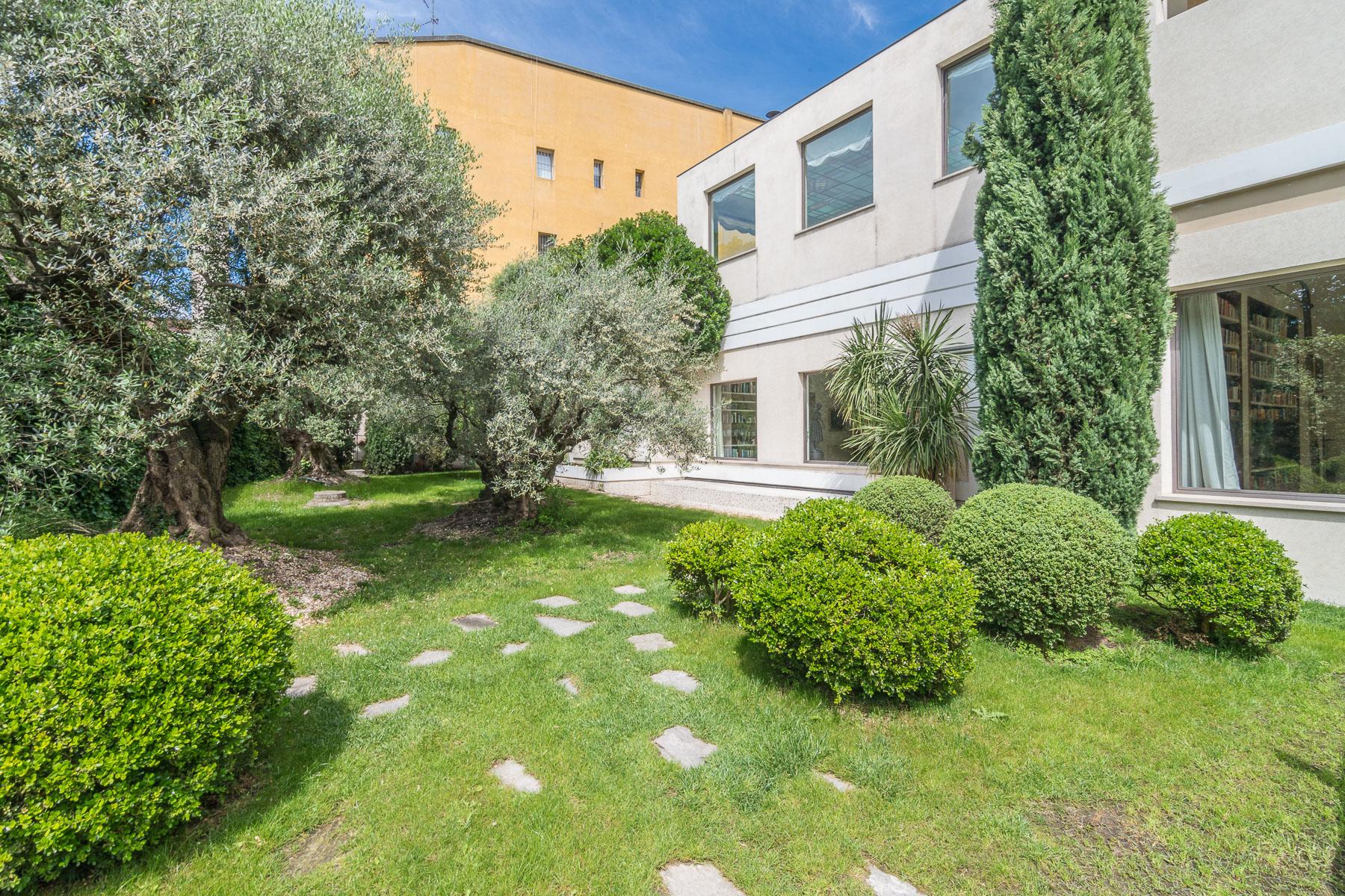 Villa in Vendita a Milano: 5 locali, 2266 mq - Foto 2