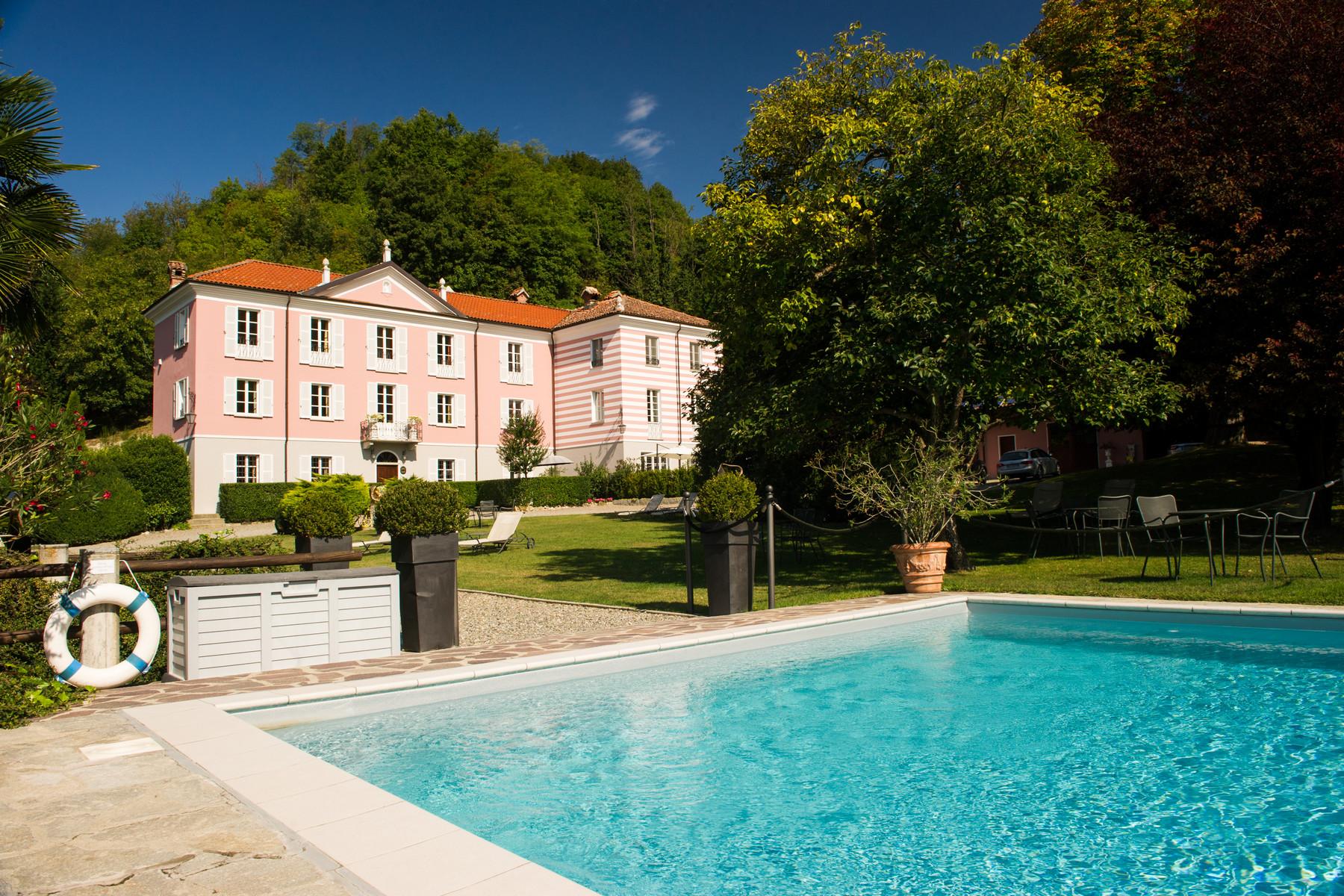 Villa in Vendita a Acqui Terme strada dei botti