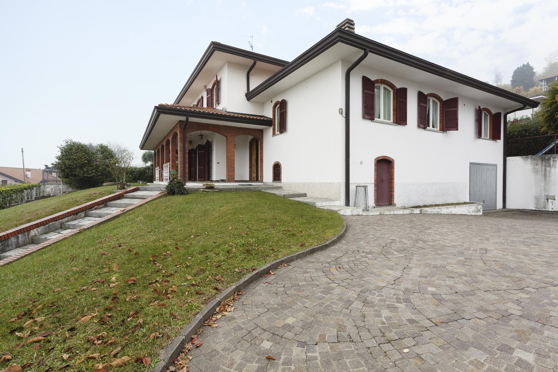 Villa in Vendita a Nebbiuno: 5 locali, 400 mq
