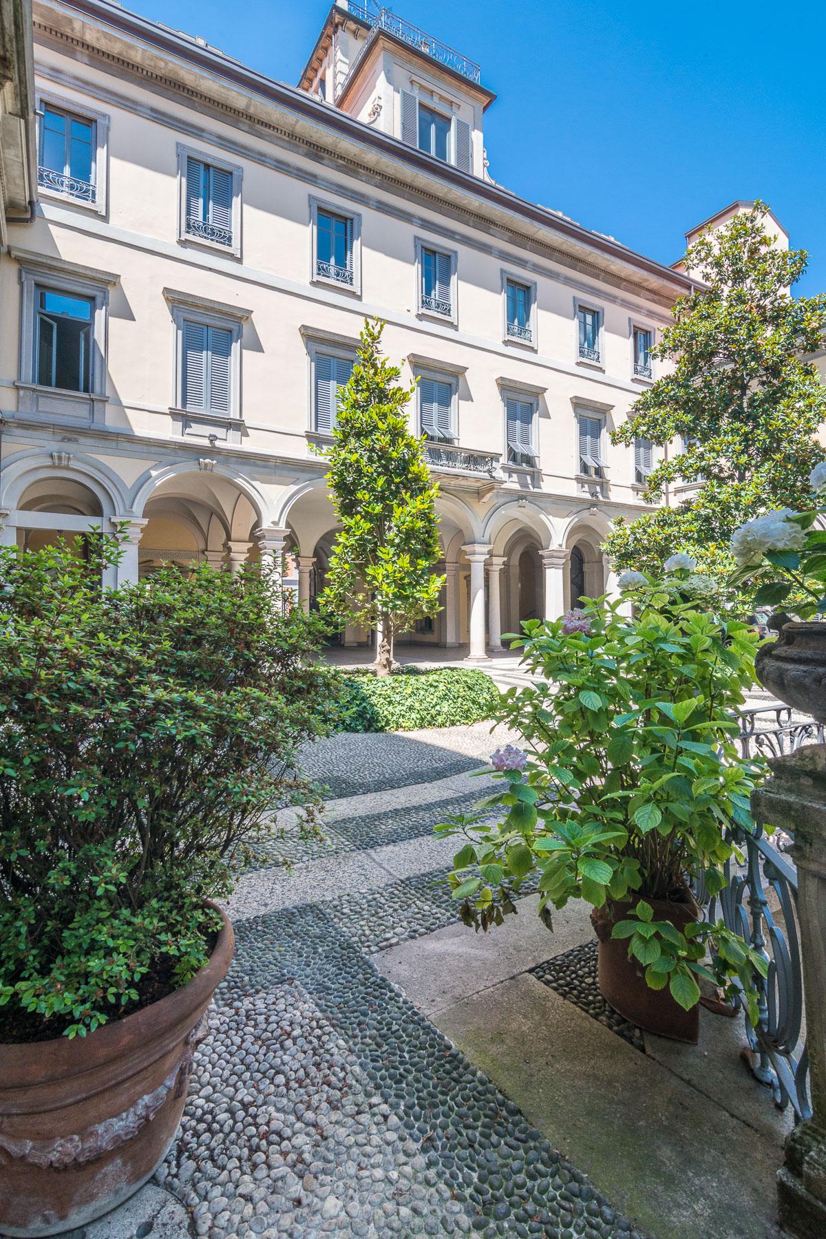 Appartamento in Affitto a Milano: 5 locali, 120 mq - Foto 2