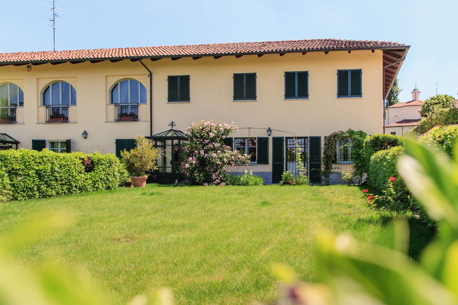 Appartamento in Vendita a Moncalieri: 5 locali, 400 mq