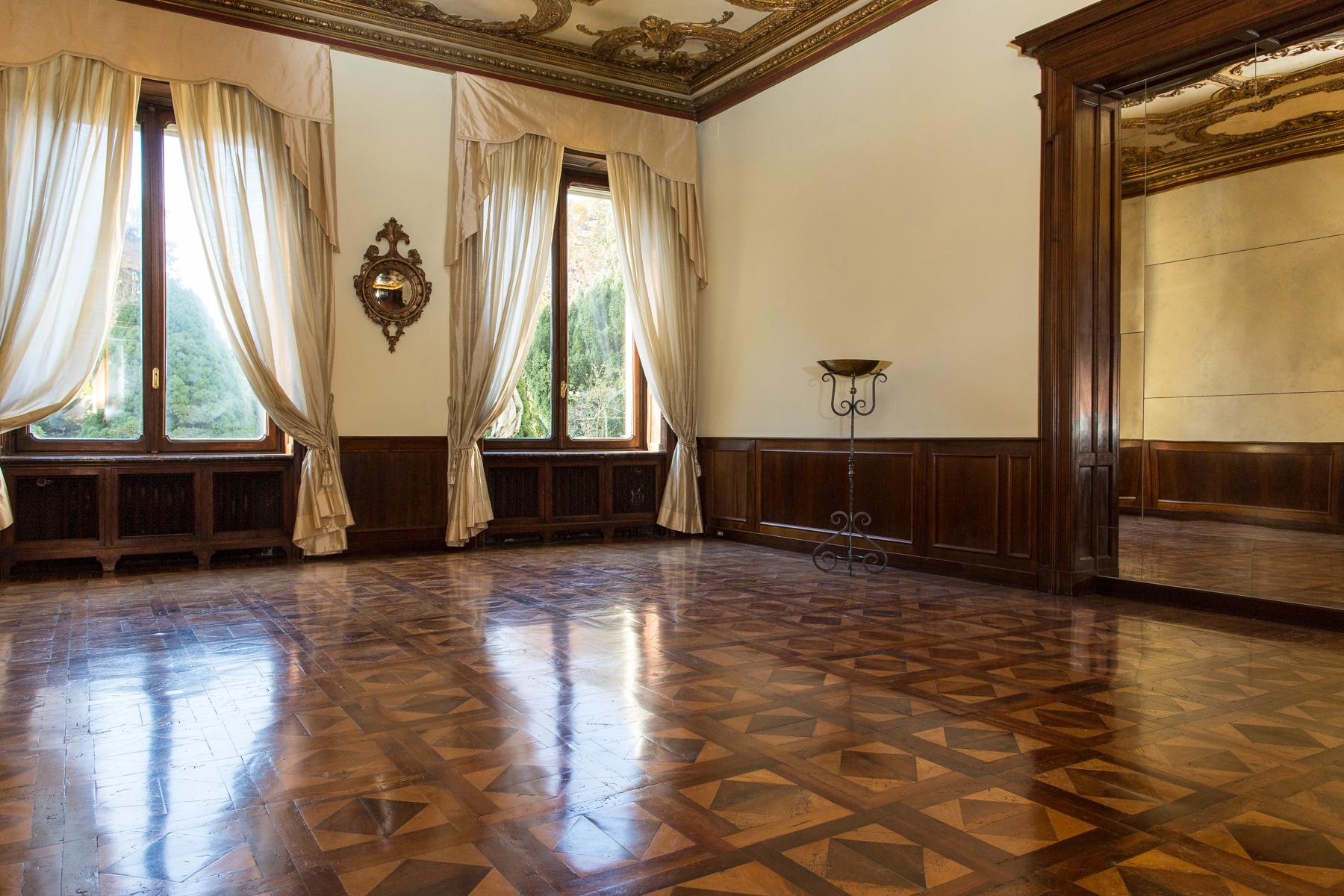 Appartamento in Affitto a Torino: 5 locali, 262 mq - Foto 1