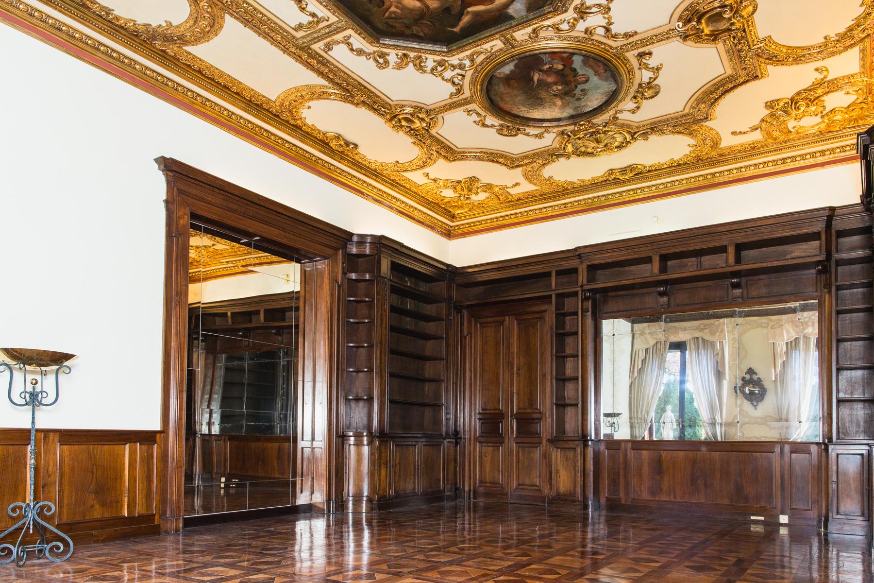 Appartamento in Affitto a Torino: 5 locali, 262 mq - Foto 3