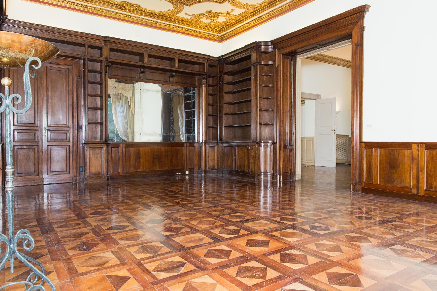 Appartamento in Affitto a Torino: 5 locali, 262 mq - Foto 4
