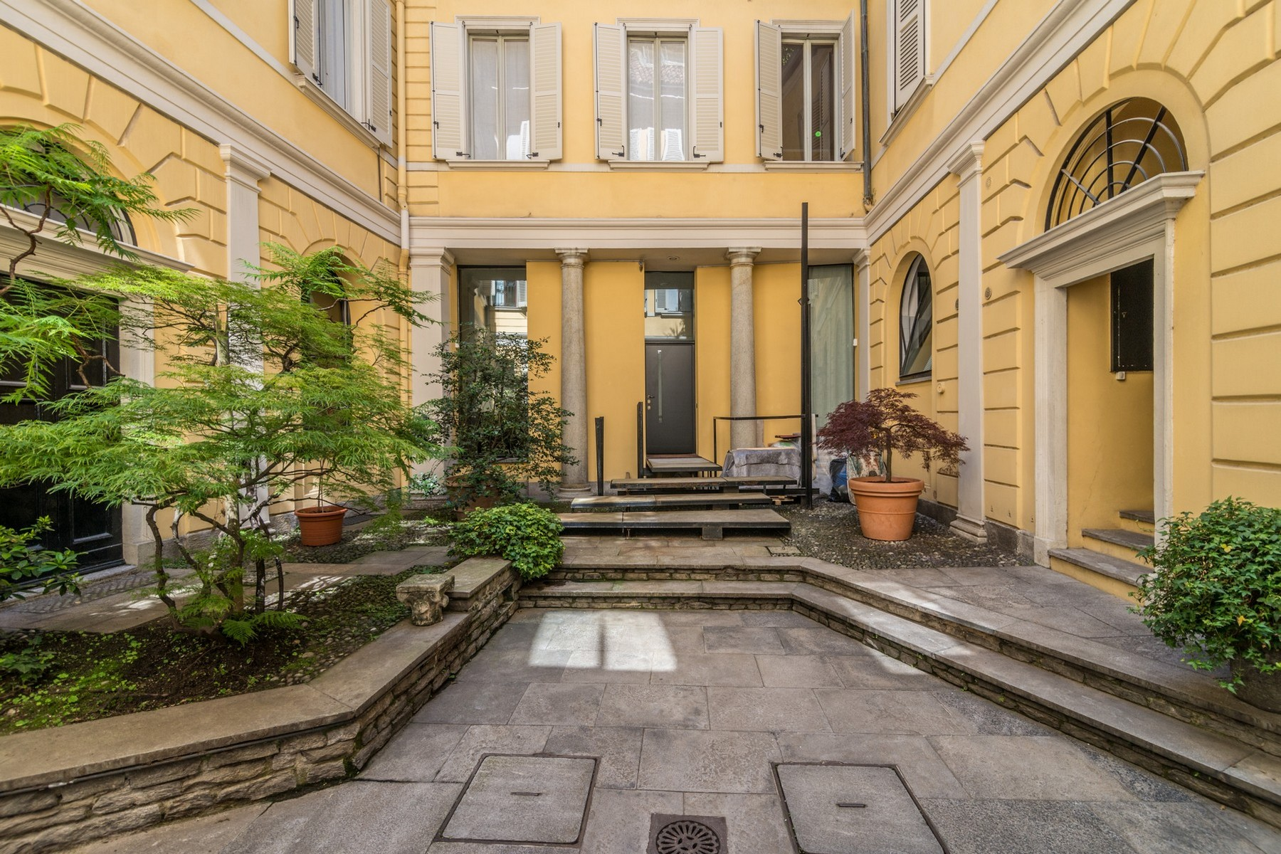 Appartamento in Vendita a Milano via bigli
