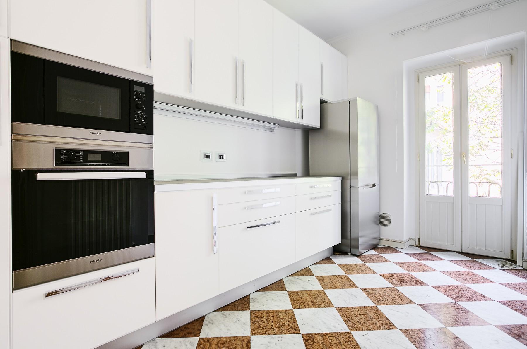 Appartamento di lusso in affitto a milano via san martino for Appartamento design affitto milano