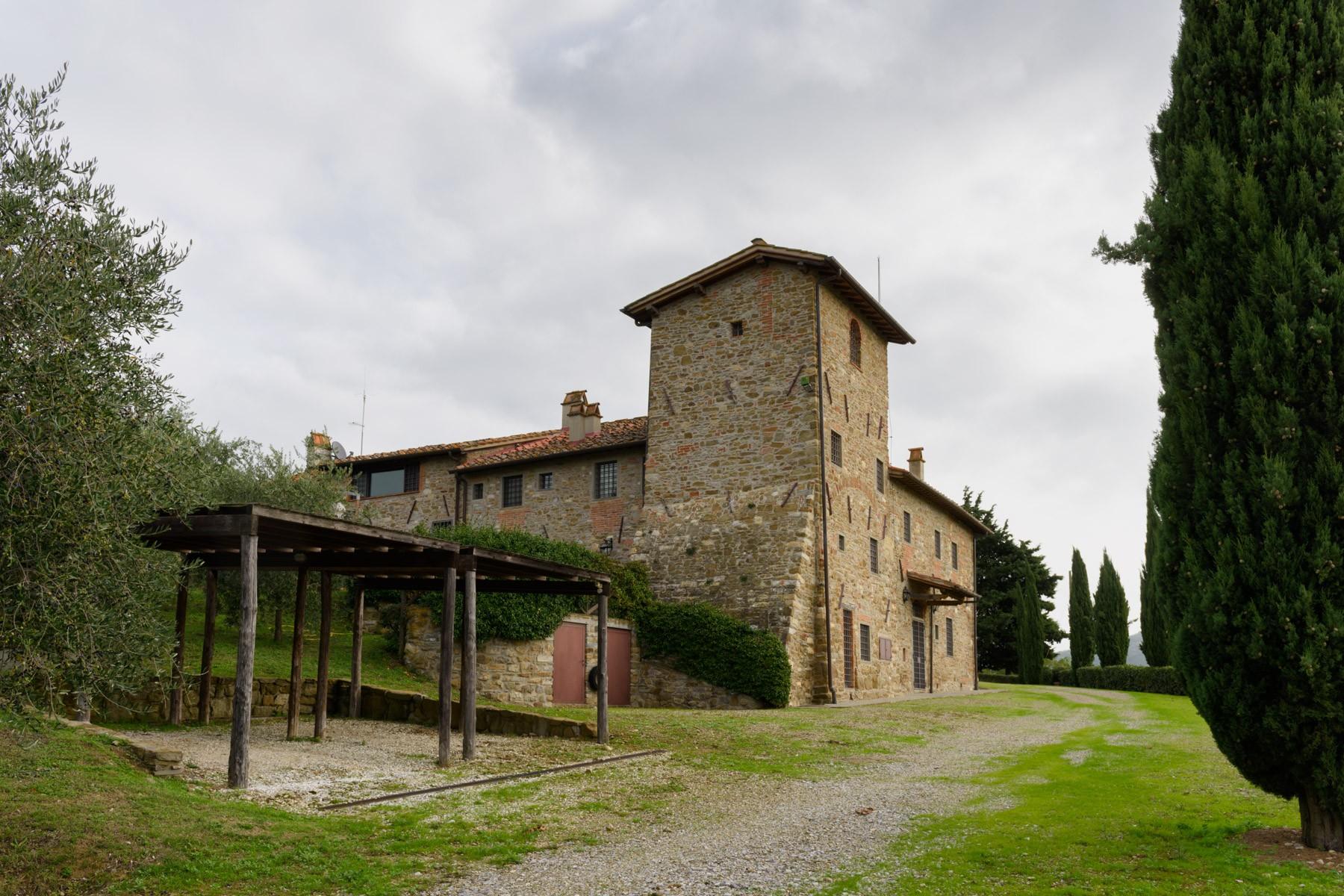 Rustico in Affitto a Greve In Chianti: 5 locali, 850 mq