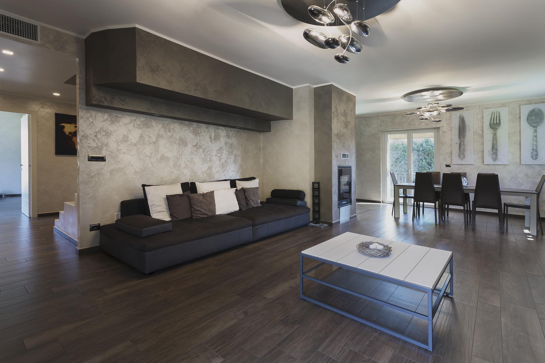 Casa indipendente in Vendita a Moncalieri: 5 locali, 250 mq