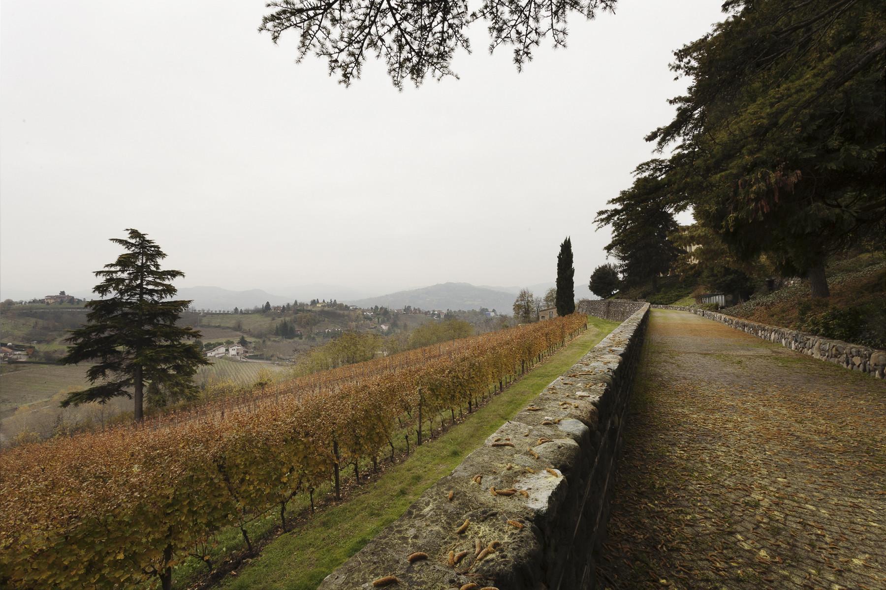 Villa in Vendita a Acqui Terme strada monterosso
