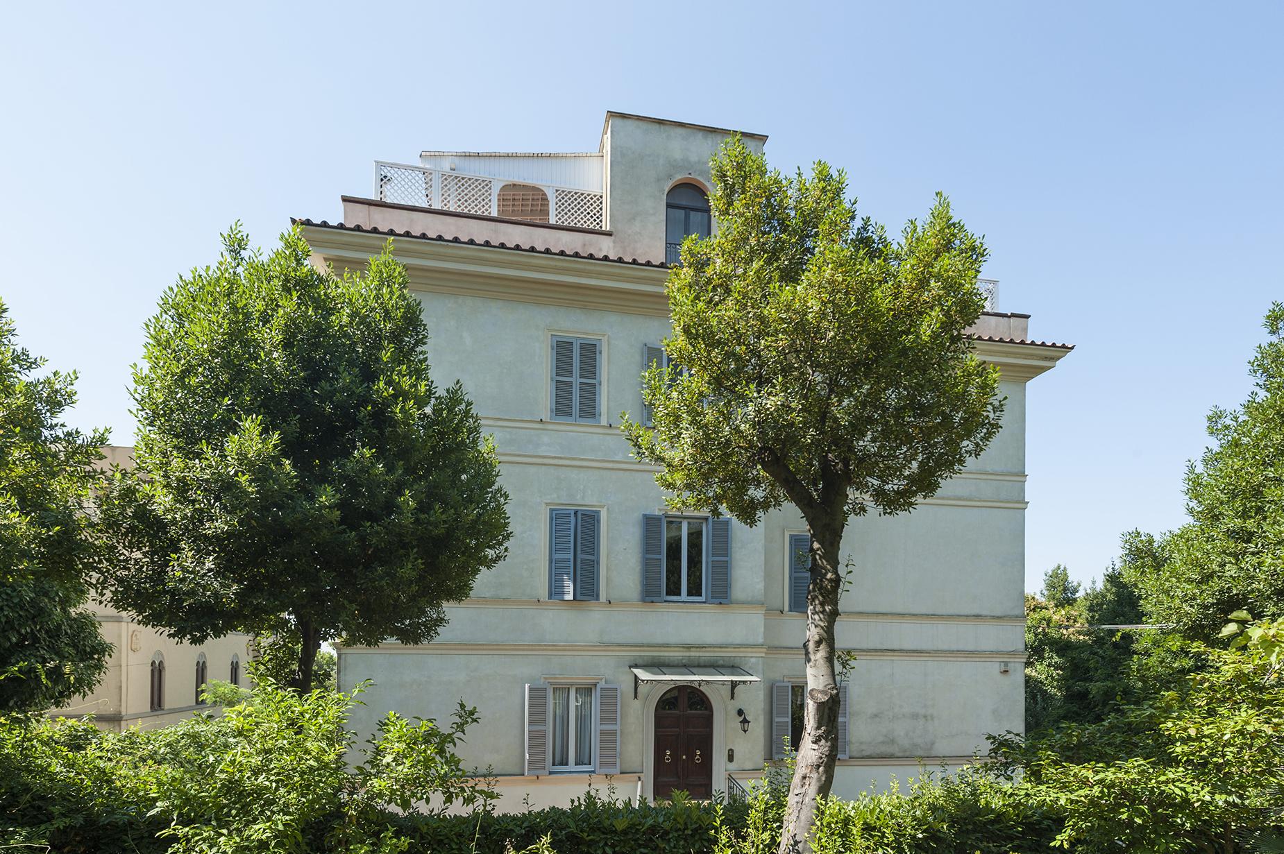 Appartamento in Vendita a Ariccia: 5 locali, 220 mq
