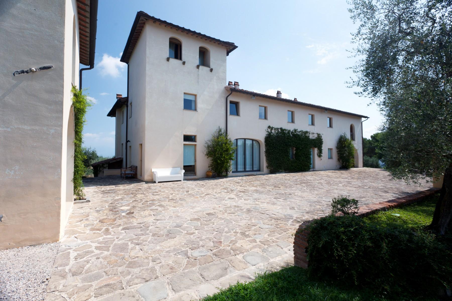 Villa in Vendita a Lastra A Signa: 5 locali, 750 mq - Foto 2