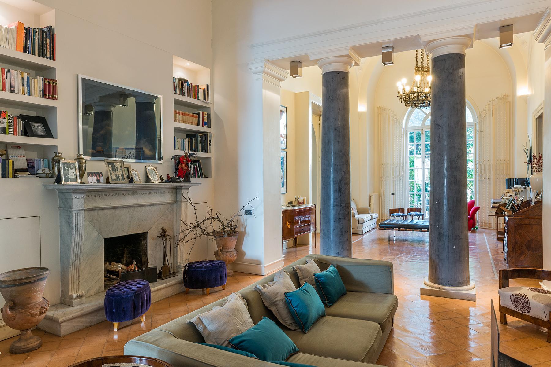 Appartamento in Vendita a Napoli:  5 locali, 300 mq  - Foto 1