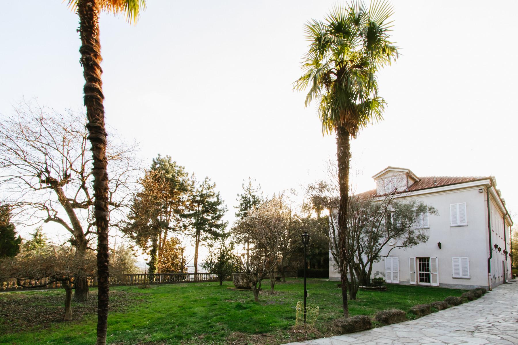 Villa in Vendita a Moncalieri: 5 locali, 650 mq