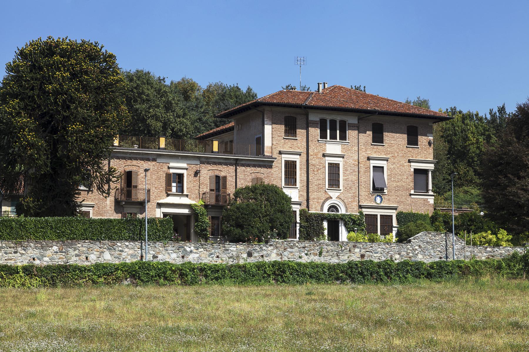 Villa in Vendita a Roppolo: 5 locali, 1660 mq