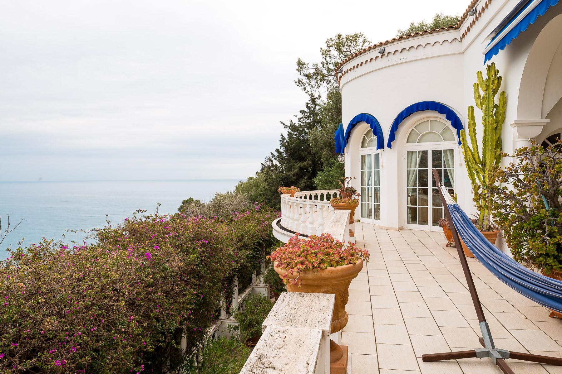 Villa in Vendita a Ventimiglia: 5 locali, 392 mq - Foto 2