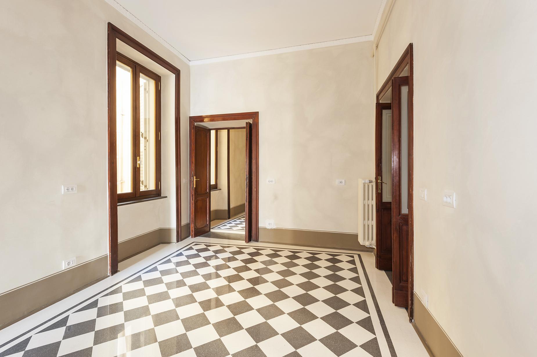 Appartamento di lusso in affitto a roma piazza di spagna for Locali uso ufficio in affitto a roma