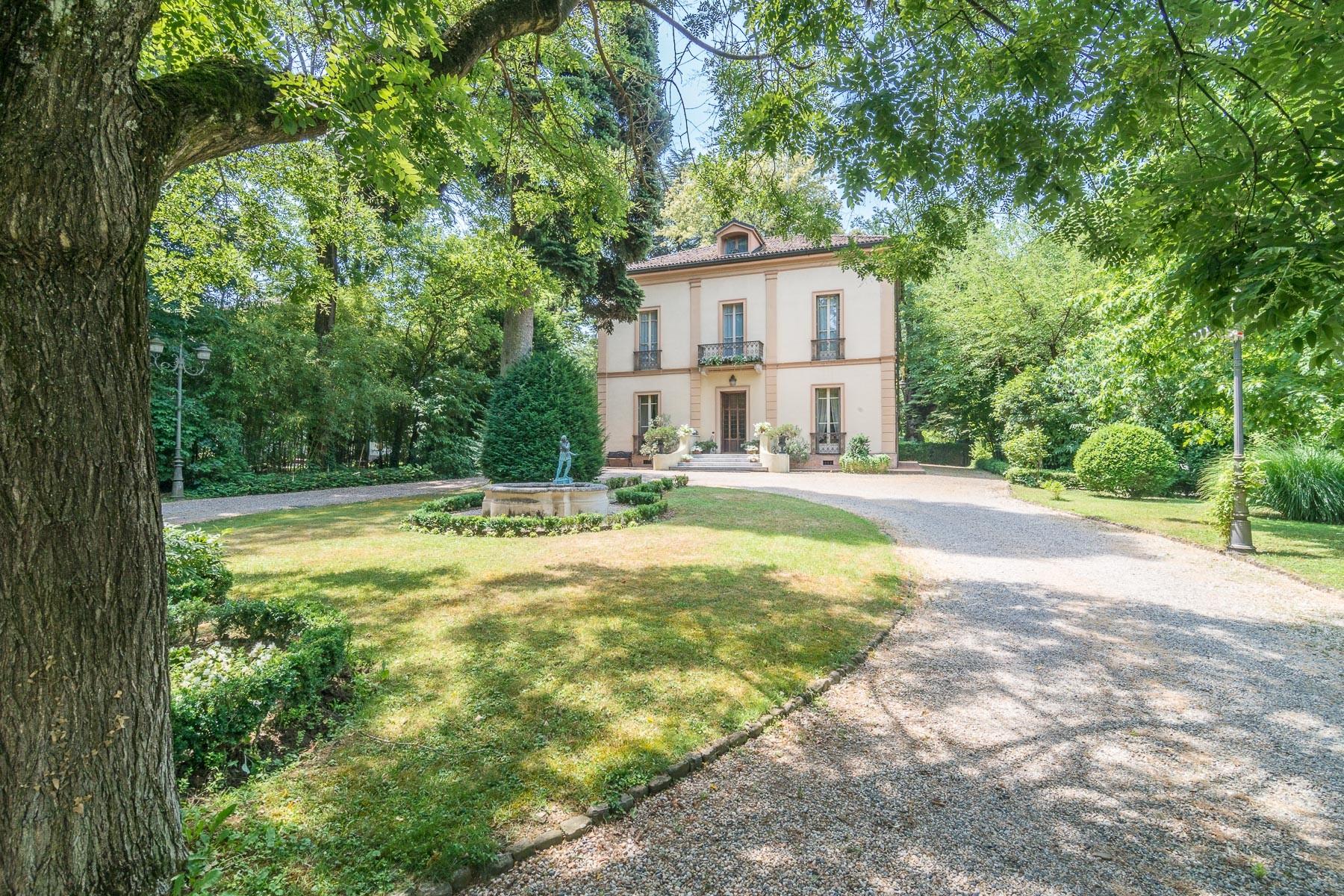 Villa in Vendita a Pavia via delle terme