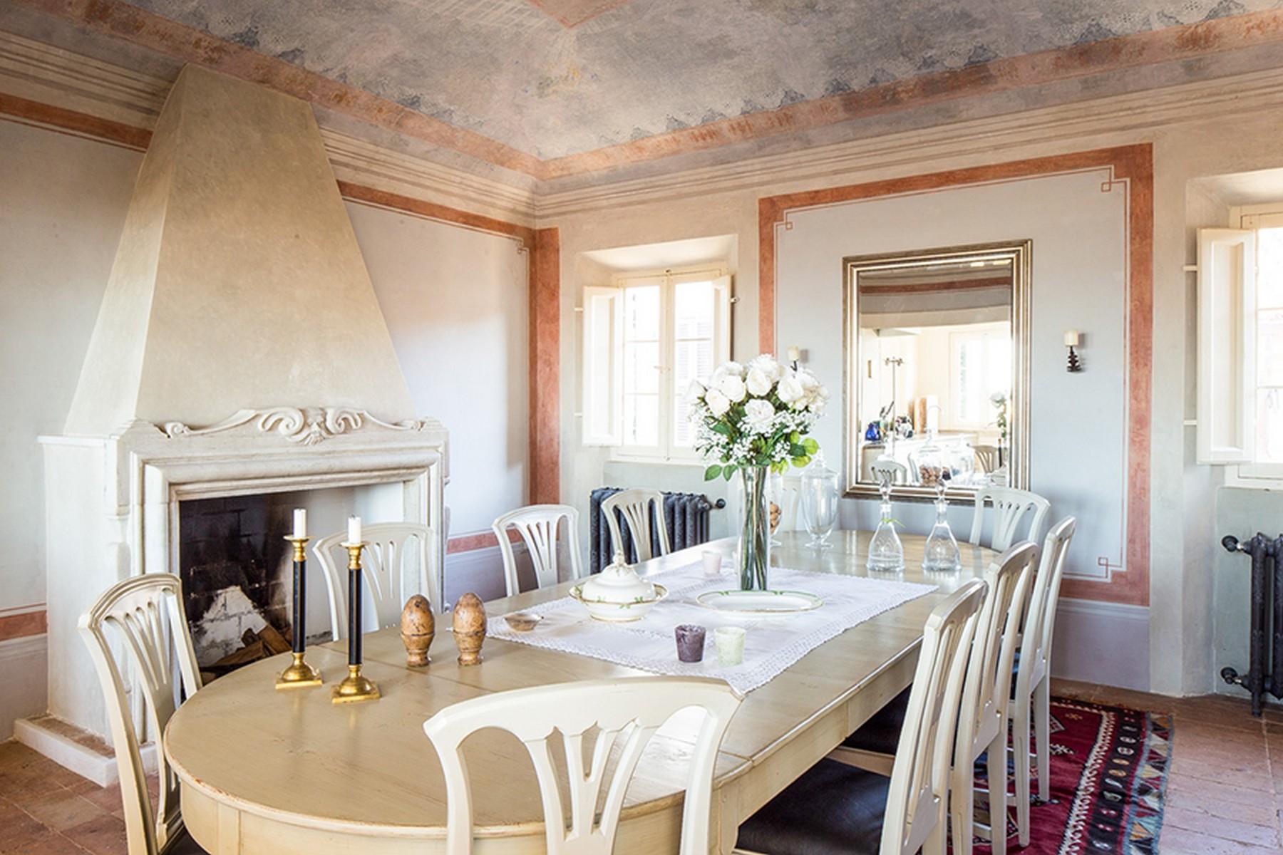 Palazzo in Vendita a Mondaino: 5 locali, 500 mq