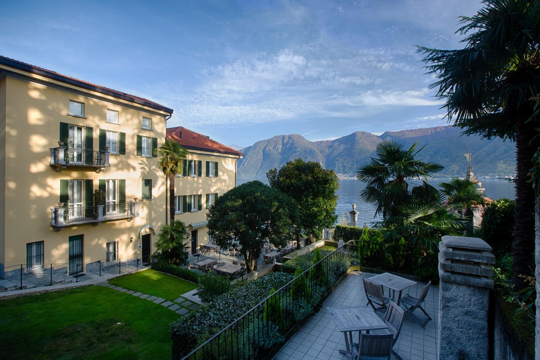 Villa In Vendita Via Vincenzo Re
