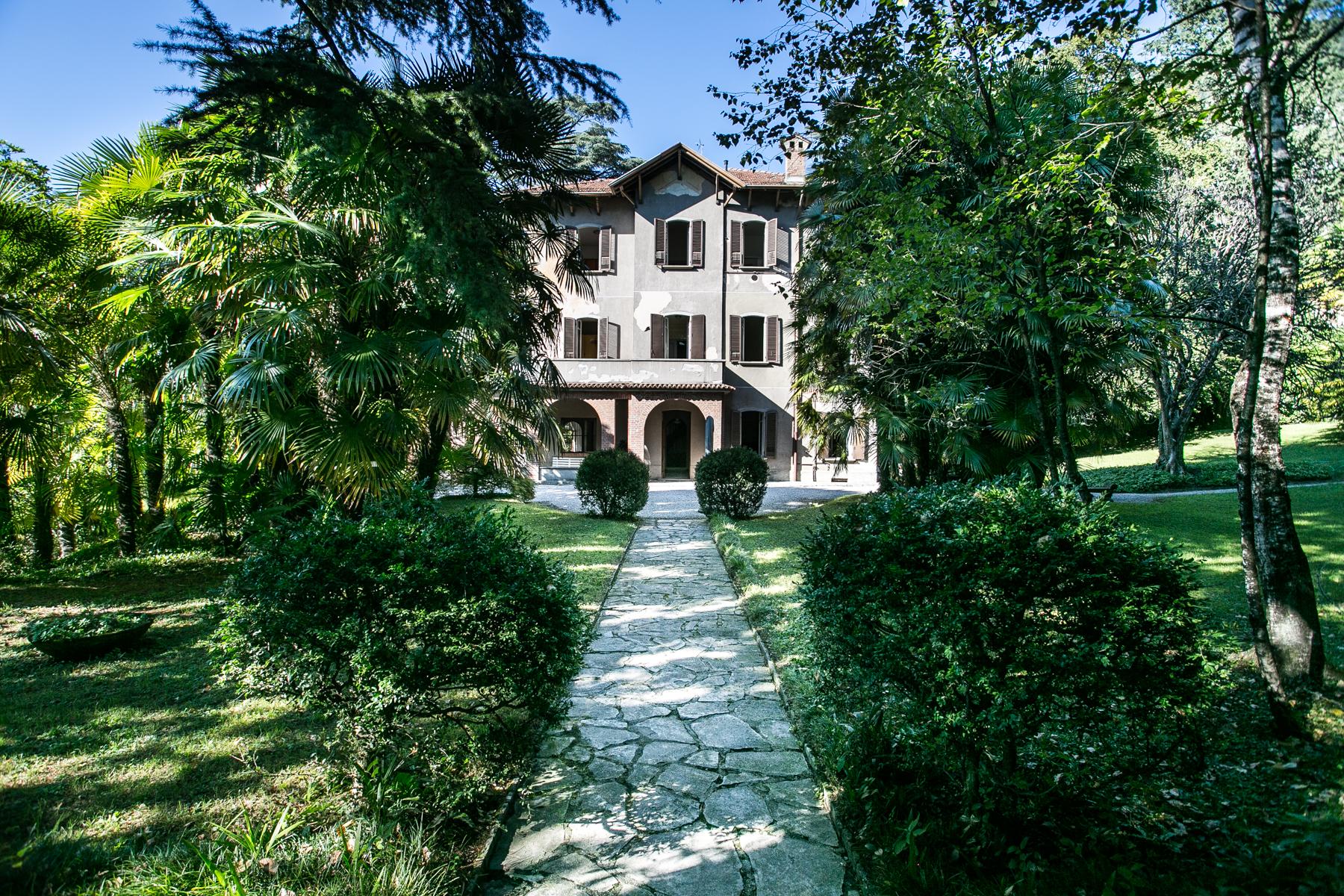 Villa di lusso in vendita a lierna via ducale trovocasa for Cabinati di lusso in vendita