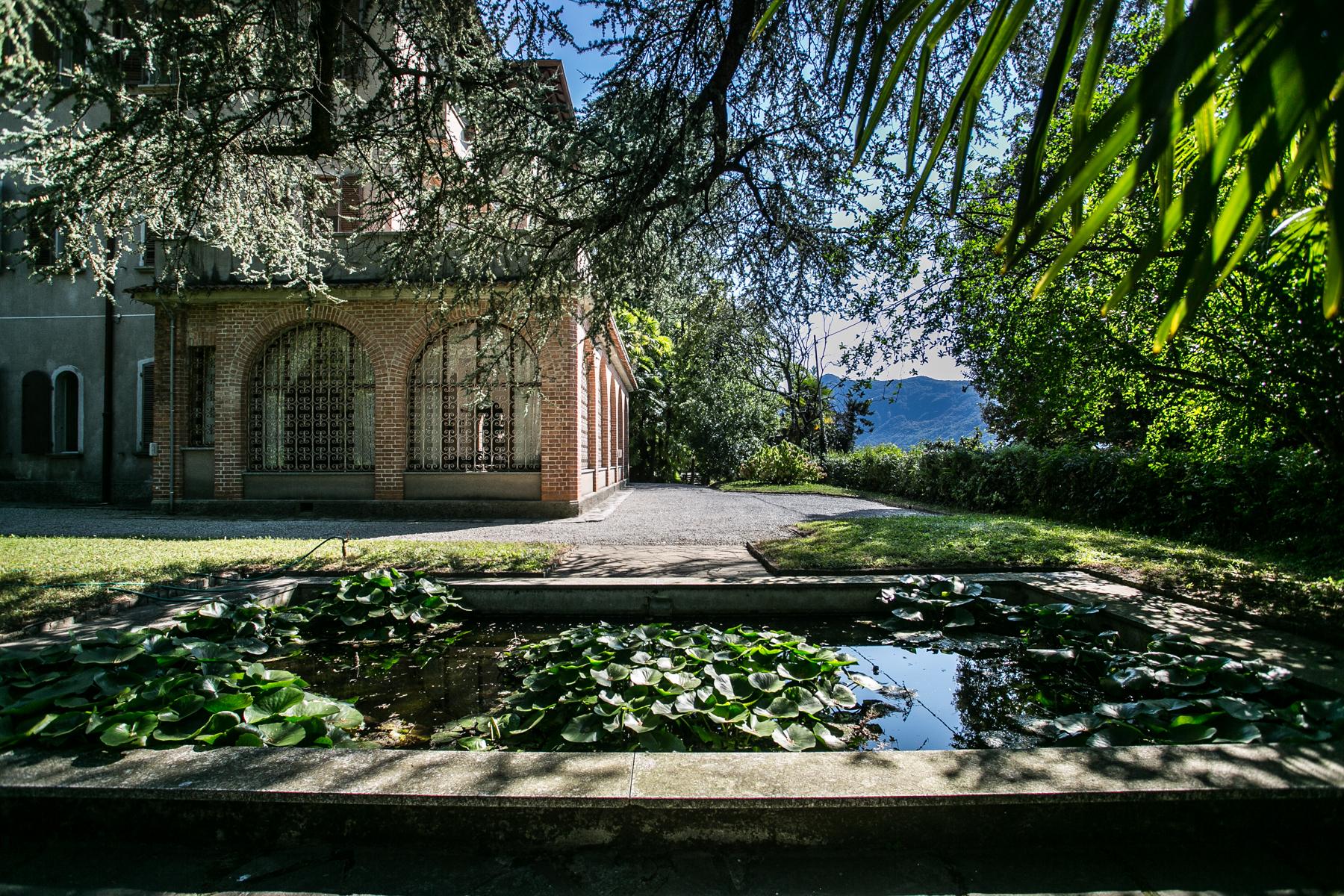 Villa di lusso in vendita a lierna via ducale trovocasa for Case in vendita svizzera italiana