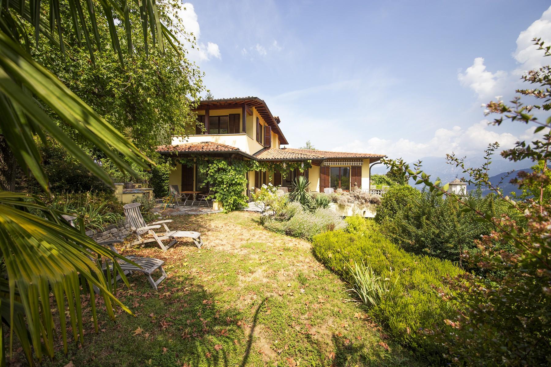 Villa in Vendita a Lenno: 5 locali, 320 mq