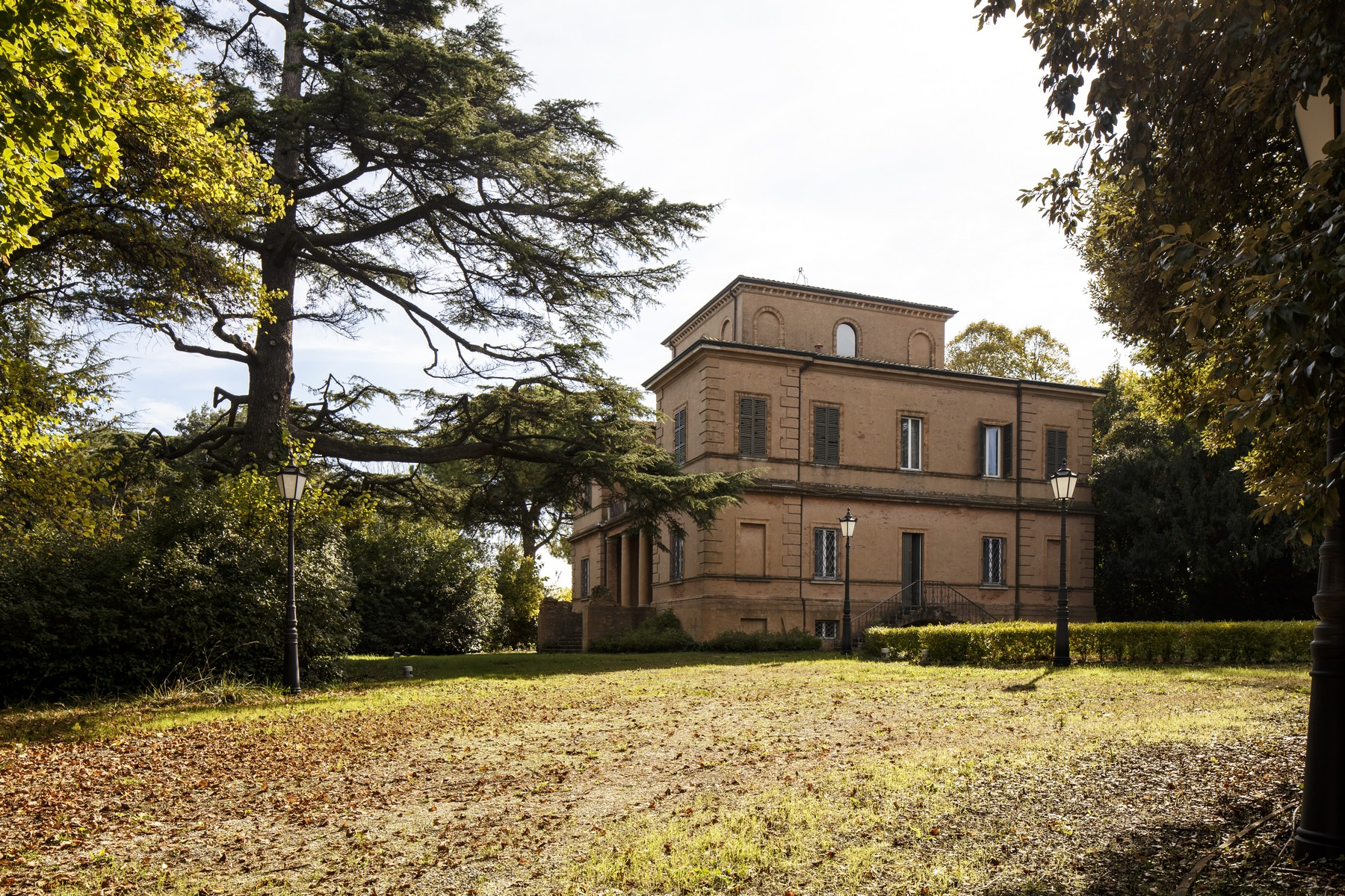 Villa in Vendita a Rimini: 5 locali, 1500 mq