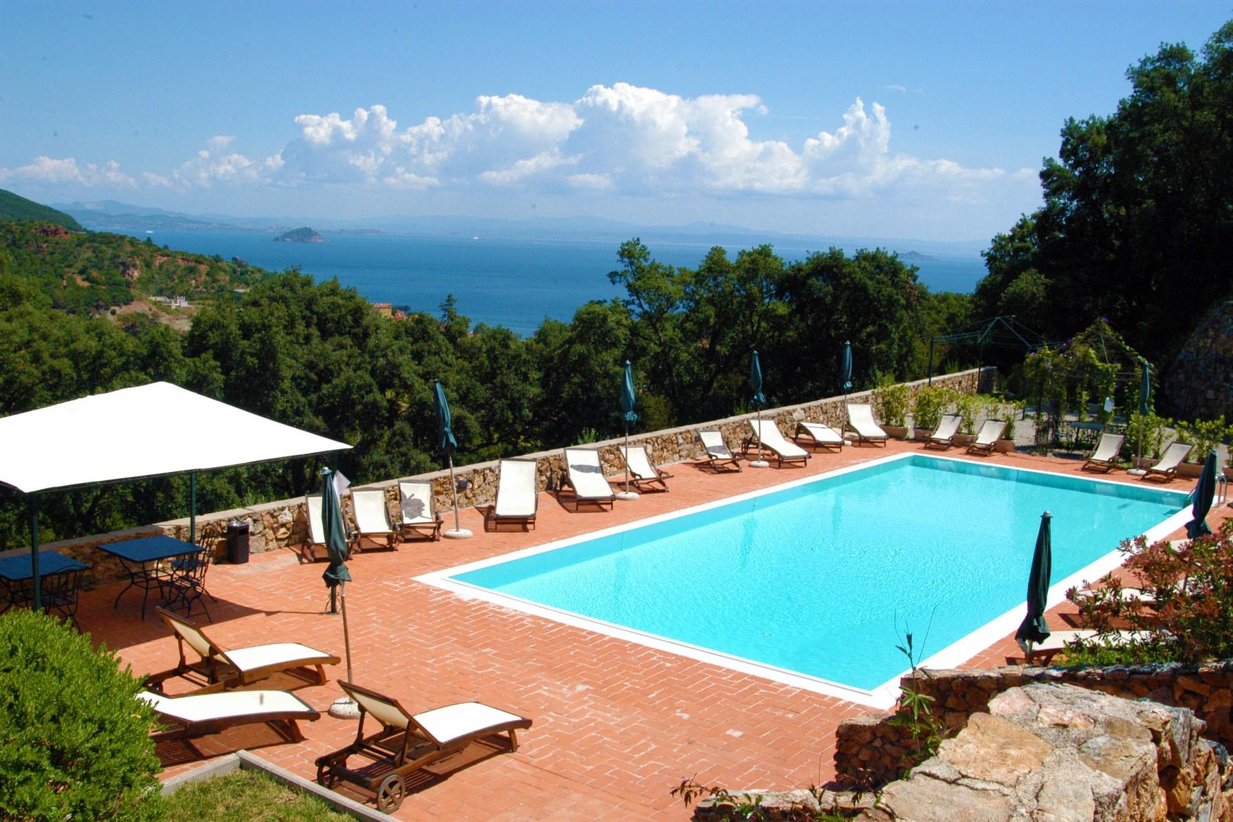 Villa in Vendita a Rio Marina: 5 locali, 1200 mq