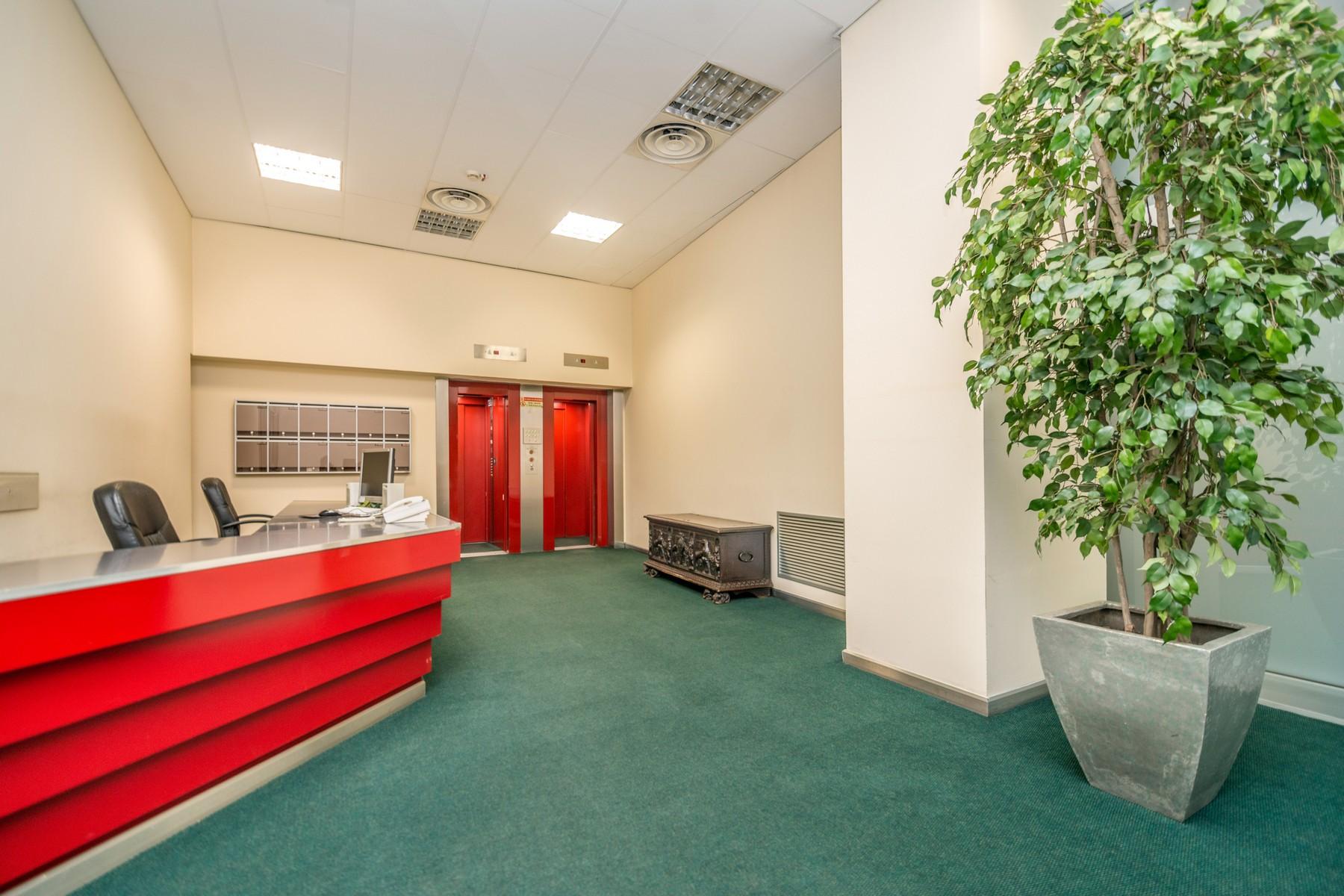 Ufficio studio di lusso in affitto a milano via turati for Affitto studio eur