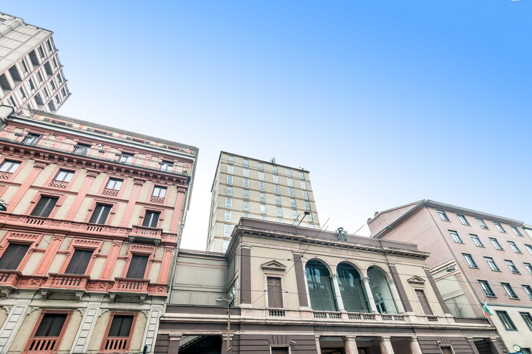Ufficio studio di lusso in affitto a milano via turati for Ufficio affitto eur