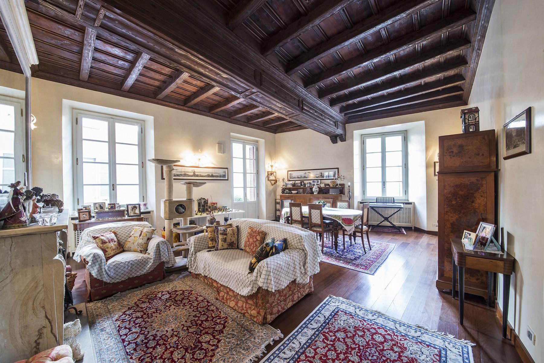 Appartamento in Vendita a Como: 5 locali, 340 mq