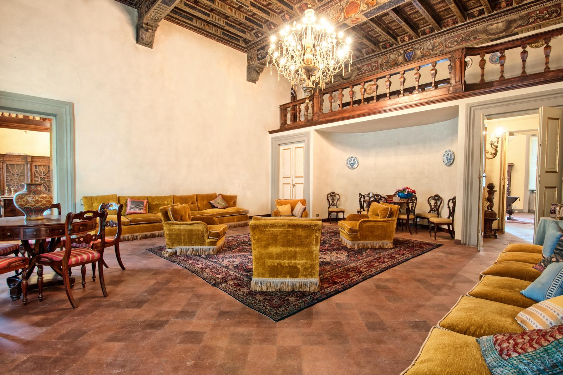Appartamento in Vendita a Lucca: 5 locali, 690 mq - Foto 2