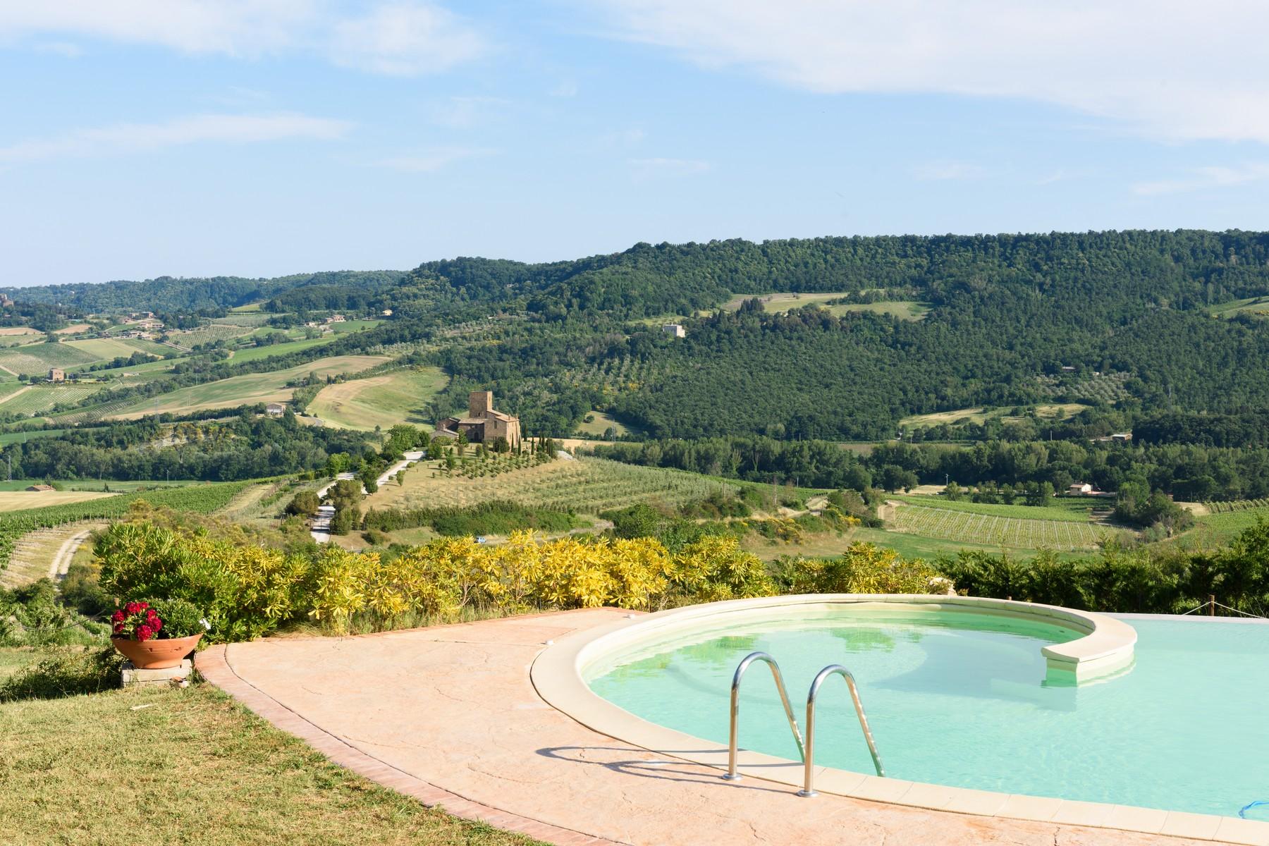 Casa indipendente in Vendita a Castel Viscardo: 5 locali, 700 mq - Foto 2
