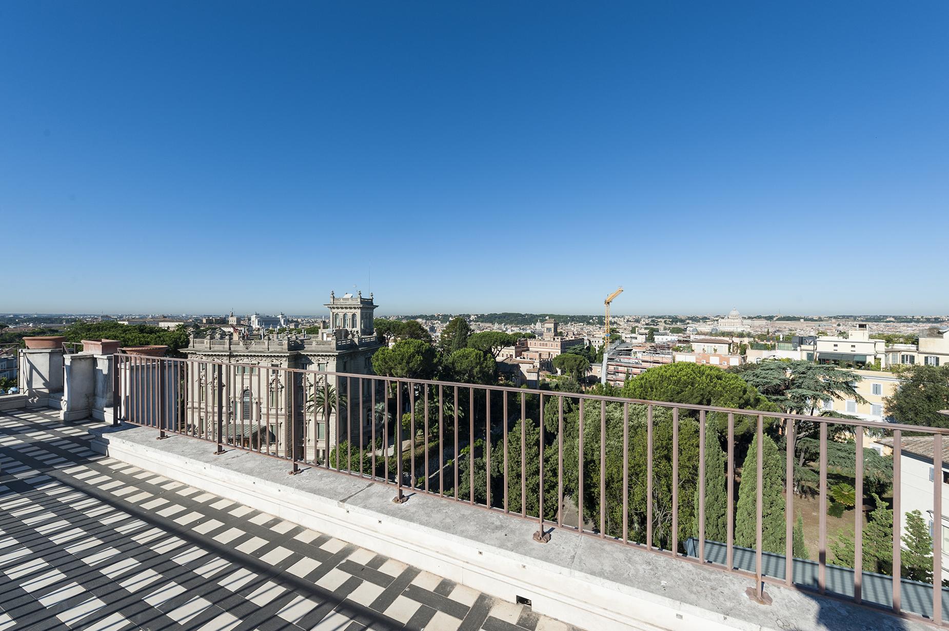Appartamento in Vendita a Roma: 5 locali, 510 mq - Foto 2