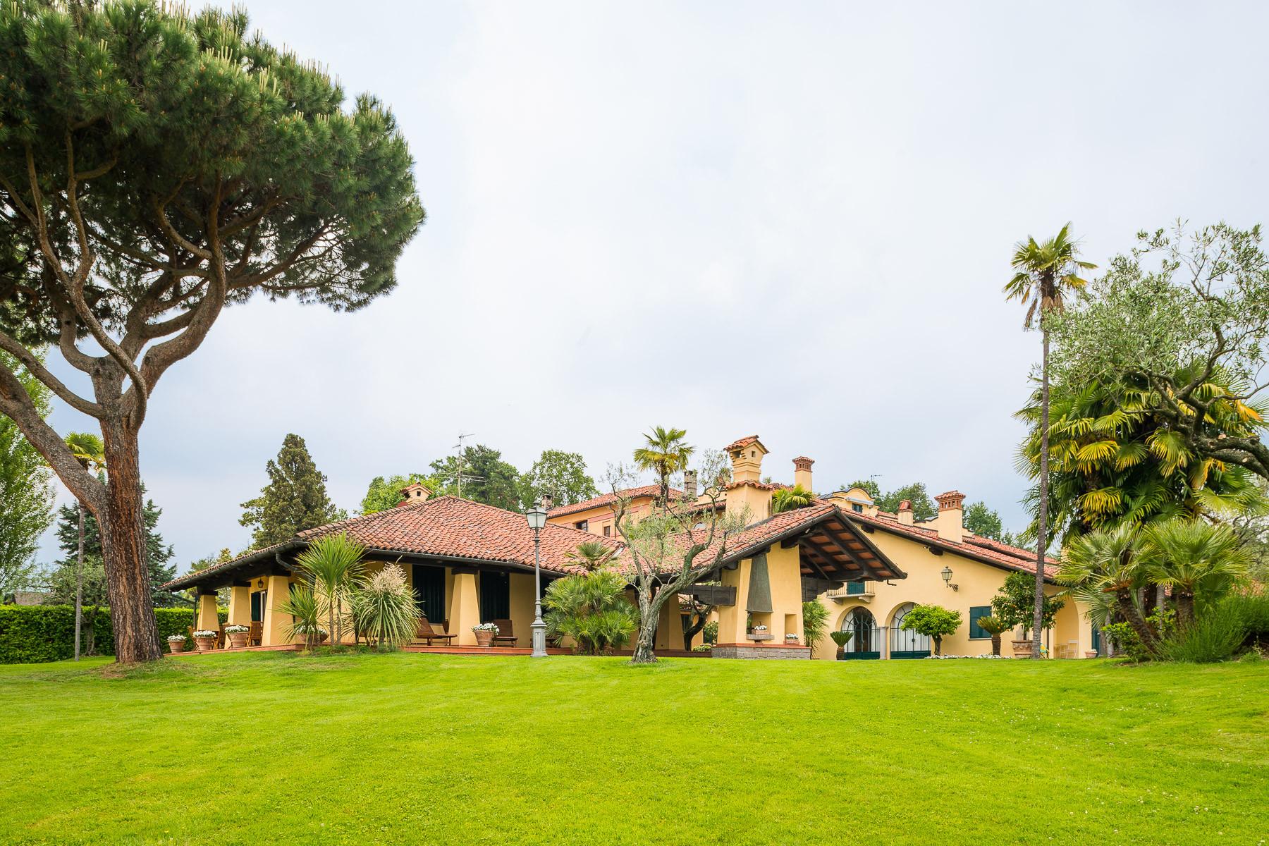 Villa in Vendita a Vigliano Biellese: 5 locali, 524 mq - Foto 1