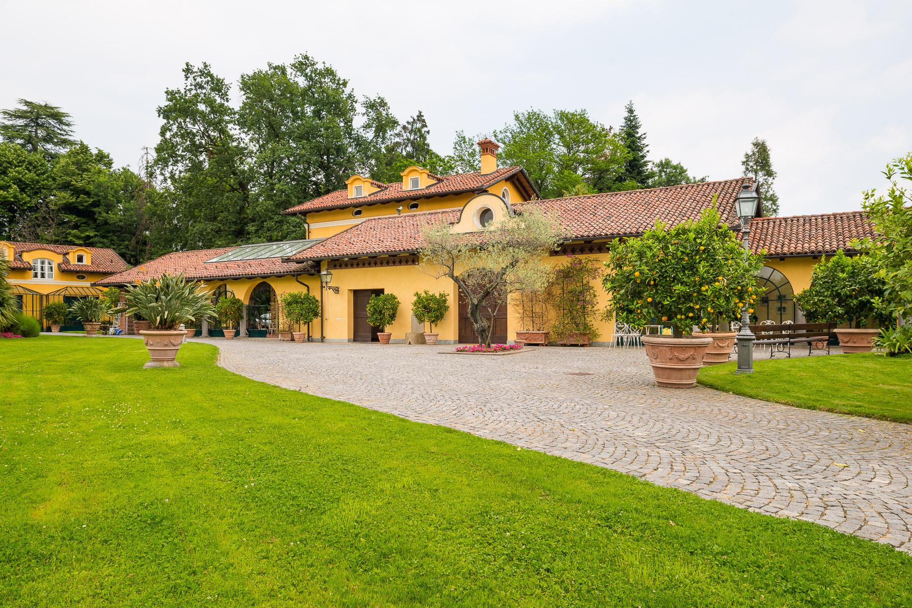 Villa in Vendita a Vigliano Biellese: 5 locali, 524 mq - Foto 3
