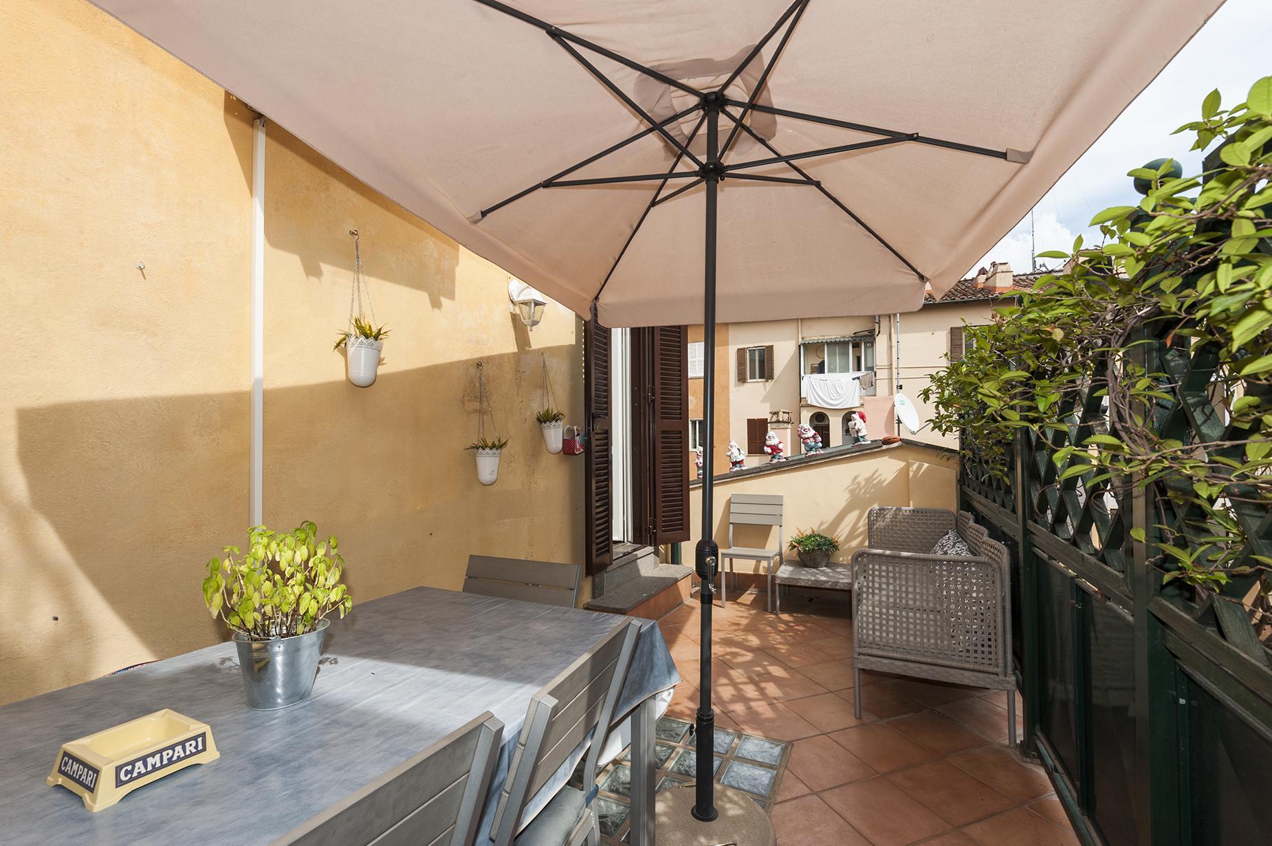 Appartamento in Affitto a Roma vico vicolo scavolino