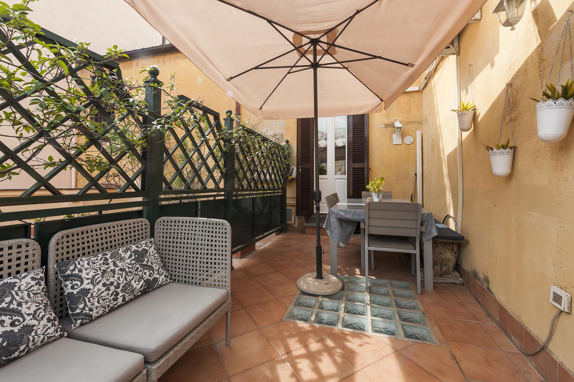 Appartamento di lusso in affitto a roma vico vicolo for Locali uso ufficio in affitto a roma
